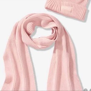 VS PINK SCARF AND BEANIE SET New in pkg.